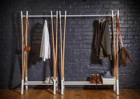 Kleiderstange Holz kleiderstange holz schlafzimmer mit origineller kleiderstange aus