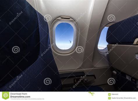 siege avion siège et fenêtre d 39 avion à l 39 intérieur d 39 un avion image