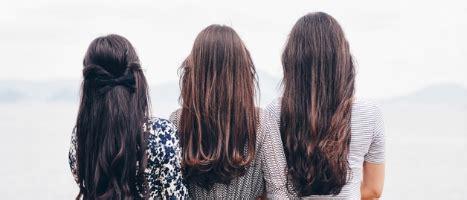 Kā piešķirt apjomu plāniem matiem