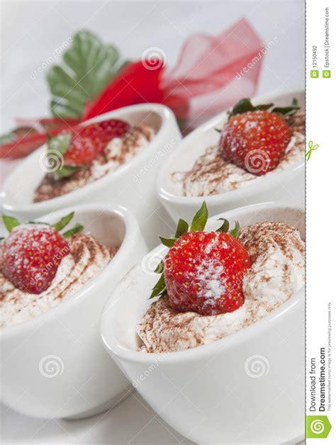 dessert avec la fraise photographie stock image 12150492