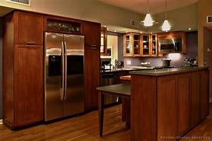Pictures of Kitchens - Traditional - Medium Wood Kitchens