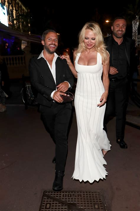 Pamela Anderson Sexy 29 Photos Thefappening