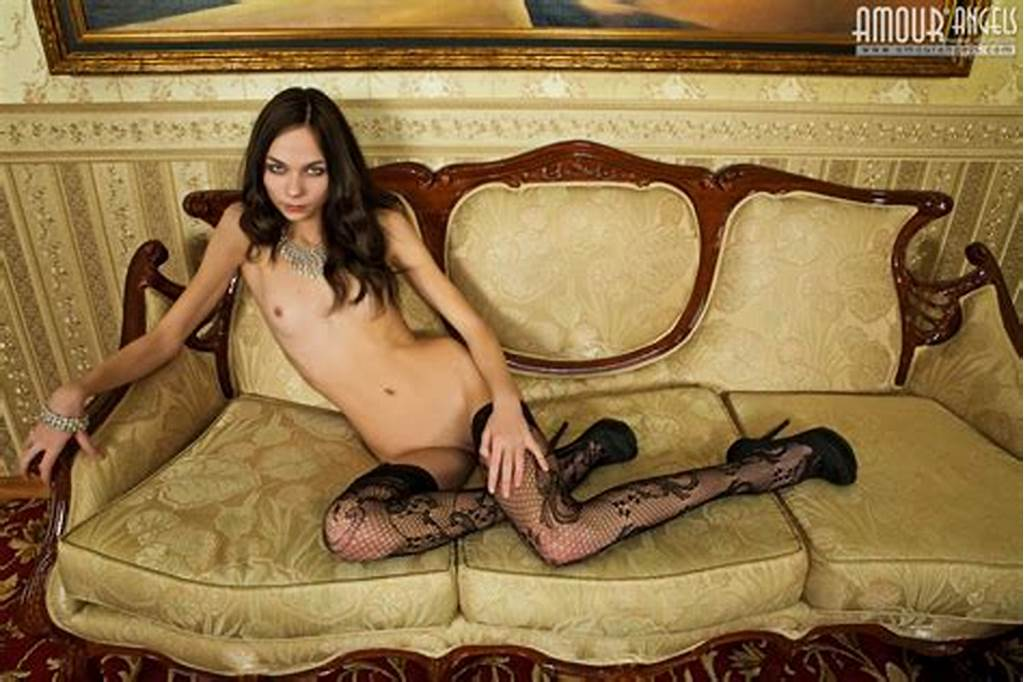 #Photos #Artistic #Glamor #Poses #In #Stockings