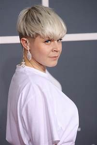 Robyn Picture 10 - 54th Annual GRAMMY Awards - Arrivals