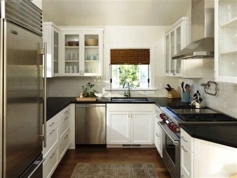 tips  designing  perfect  shaped kitchen