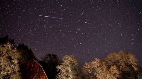 lyrid meteor shower peaks today s with unpredictable - Today S Meteor Shower
