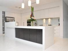 white kitchen flooring 1000 images about kitchens on island bench 1041