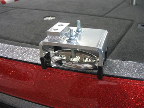 Locking Boat Cleats by Top Mount Bases