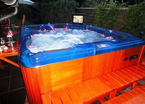 Outdoor Luxus Whirlpool Jacuzzi Für 6 Personen In Grassau