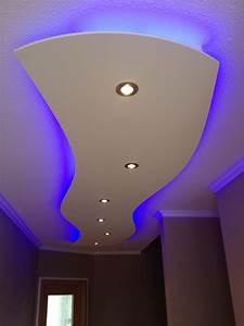 Decken Led Lampen : deckensegel abgeh ngte decke mit indirekter beleuchtung beleuchtung indirekte beleuchtung ~ Whattoseeinmadrid.com Haus und Dekorationen