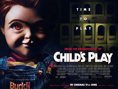 chucky finds time  play  mcmcomiccon london bloody disgusting
