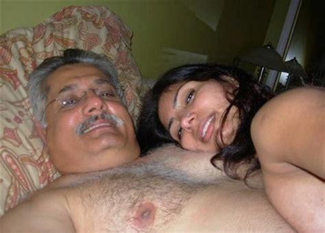 Tetek Montok Old Man Enjoying With Secretary 2007