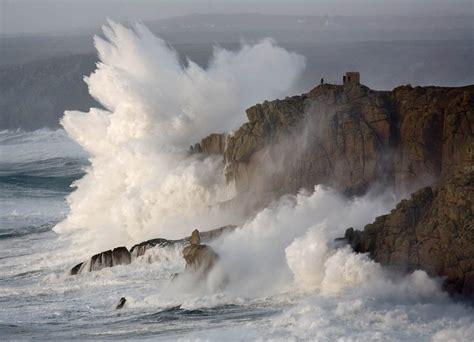 photograph stormy seas
