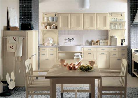 cocina clasica en tonos beige imagenes  fotos