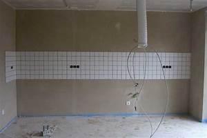 Küche Fliesenspiegel Höhe : in der k che wurde der fliesenspiegel angebracht die ~ Michelbontemps.com Haus und Dekorationen