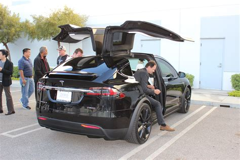 exclusive model  review tesla model     suv