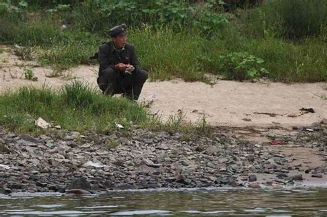North Korea ramps up military at the border - 'Carcasses ...