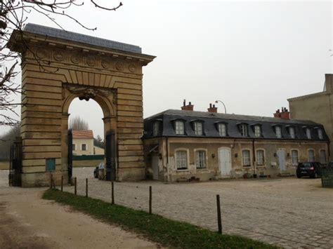 la porte st antoine ou grille de la reine le grand parc de versailles et domaine de chasse