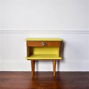 Table De Chevet Jaune : table de chevet retro recherche google beach house wishlist meuble meuble bois et ~ Melissatoandfro.com Idées de Décoration