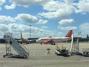 Aéroport De Lyon Parking : l ger d collage de croissance pour l 39 a roport de lyon ~ Medecine-chirurgie-esthetiques.com Avis de Voitures