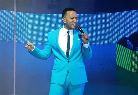 John Legend Kicks Off Crisp Christmas Tour With