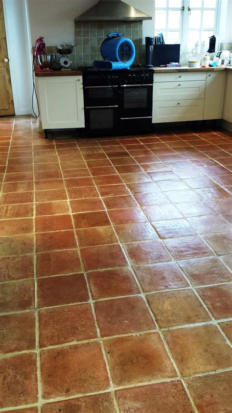 clean tile floor deep cleaning terracotta floor tiles cleaning tile