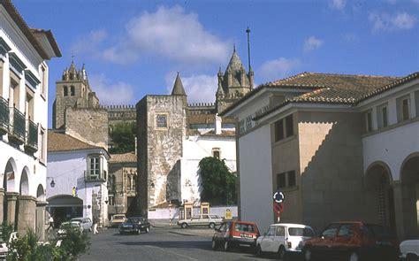Évora, Largo das Portas de Moura (Portugal)