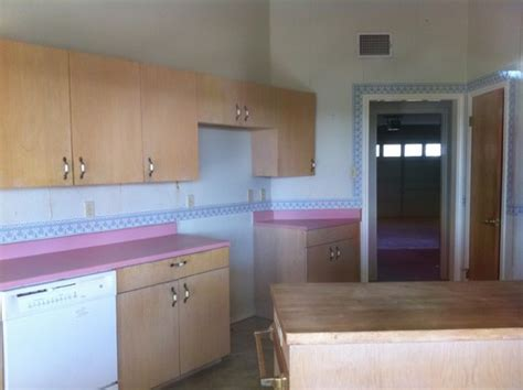 Pink Countertops In Kitchen