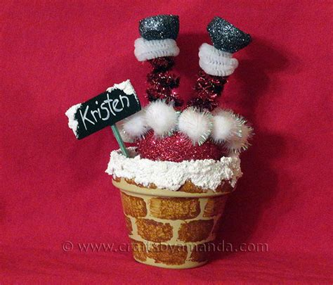 santa  chimney clay pot place setting