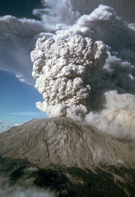 31 year anniversary of mount st helens eruption 31 pics