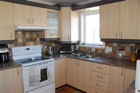 autocollant pour armoire de cuisine dosseret cuisine autocollant faire mieux pour votre maison
