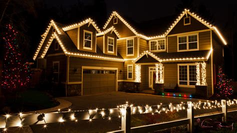 how to christmas lights on house hang christmas lights like a pro chesapeake thermal