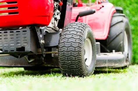 garden tractor tires lawn tractor tires sizing buying guide the tires