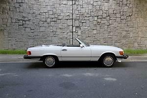Mercedes 560 Sl : 1986 mercedes benz 560 sl motorcar studio ~ Melissatoandfro.com Idées de Décoration
