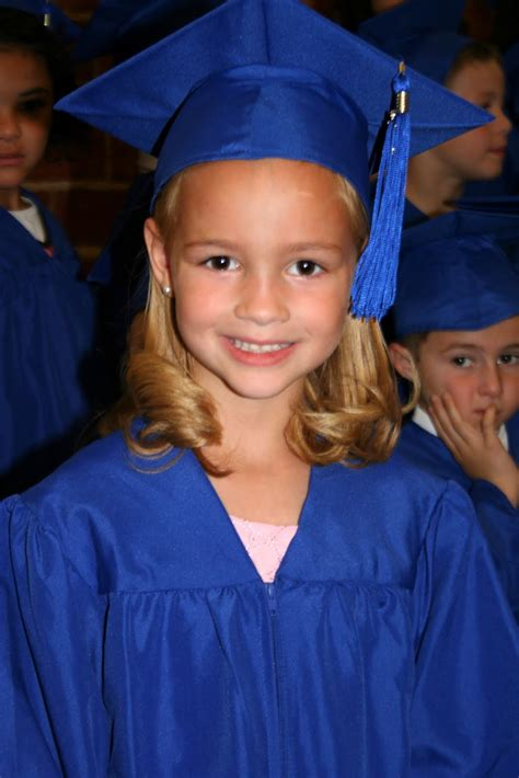 graduation hairstyles with cap and gown www pixshark
