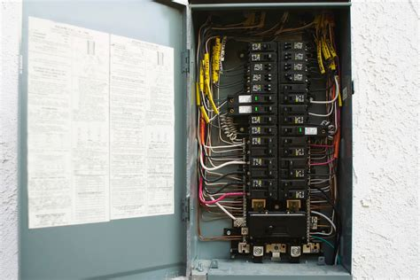 how to install a 240 volt circuit breaker