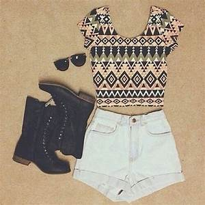 tribal + high waisted shorts + combat boots | Cute belly ...