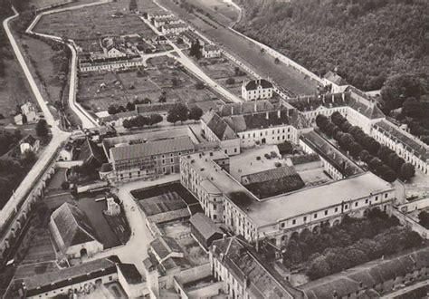 maison centrale de clairvaux les prisons de vichy au bord de l implosion d 232 s 1941 histoire p 233 nitentiaire et justice militaire