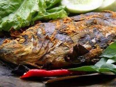 Menu khas sunda ini memiliki rasa yang sedap penuh dengan bumbu. Resep Masak Pepes Ikan Mas - Masak Memasak