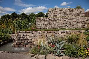 How To Shape The Land With Retaining Walls