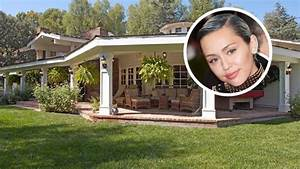 Miley Cyrus Buys Hidden Hills Equestrian Estate | Top ...