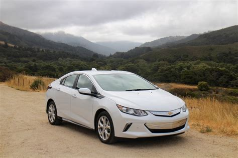 Best Electric Car Range 2016 by Why Isn T The 2016 Chevy Volt A Flex Fuel In Hybrid