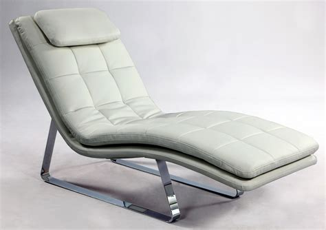 chaise luge bonded leather tufted chaise lounge with chrome legs york york chcorv