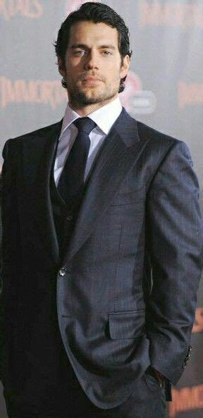 Henry Cavill | Henry cavill, Men's business outfits, Henry ...