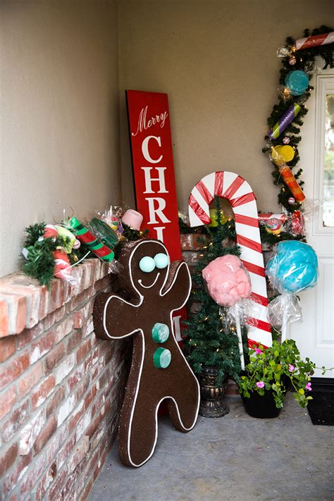 gingerbread house decorations giant candy garland