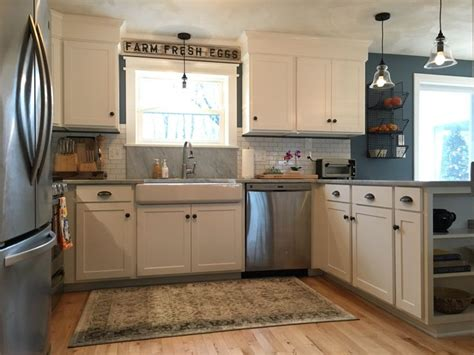 kitchen remodel adirondack blue behr wall color simply white benjamin shaker cabinets