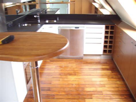 parquet flottant cuisine evadez vous avec un parquet en pont de bateau