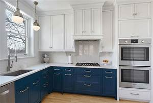 Design trend blue kitchen cabinets 30 ideas to get you for Kitchen cabinet trends 2018 combined with navy blue and white wall art