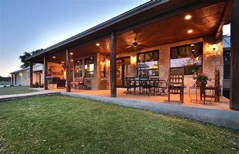 plan hc hill country home  massive porch ranch style house plans hill country homes