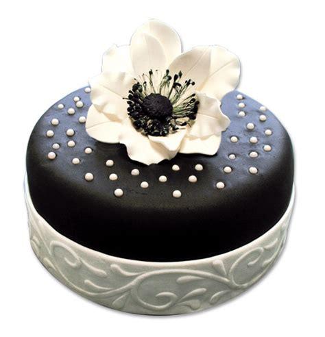 decoration de gateau en pate a sucre un g 226 teau fleuri en p 226 te 224 sucre cerfdellier le